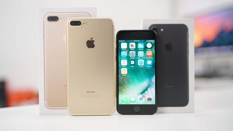 iPhone 7 dan iPhone 7 Plus (Generasi ke-10)