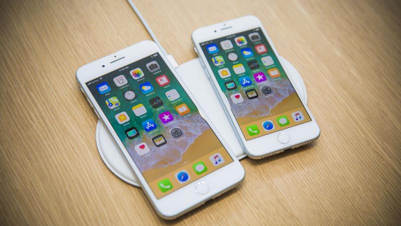 iPhone 8 dan iPhone 8 Plus (Generasi ke-11)