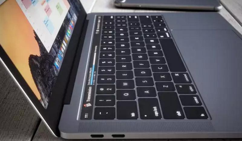 Touch Bar MacBook Lebih Bagus dari Layar Touchscreen