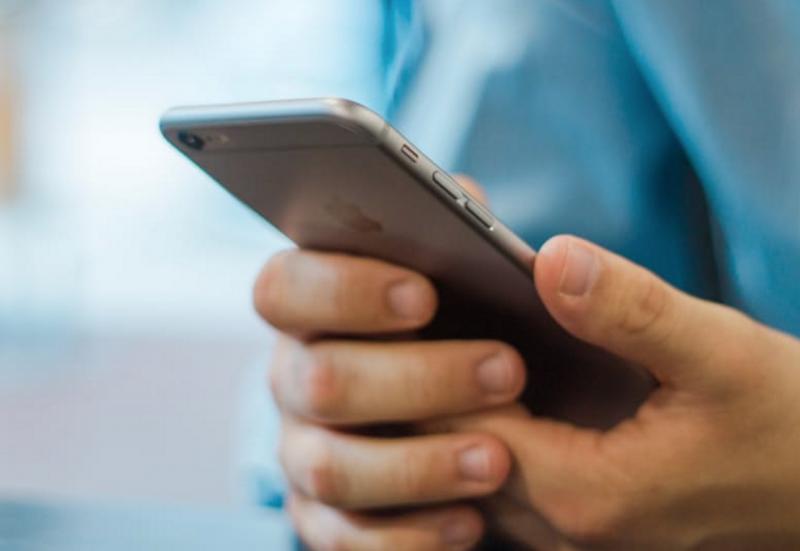 Apple Rekam Aktivitas Telepon Pengguna iPhone?