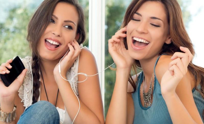 7 Aplikasi Karaoke Terbaik untuk iPhone dan Android