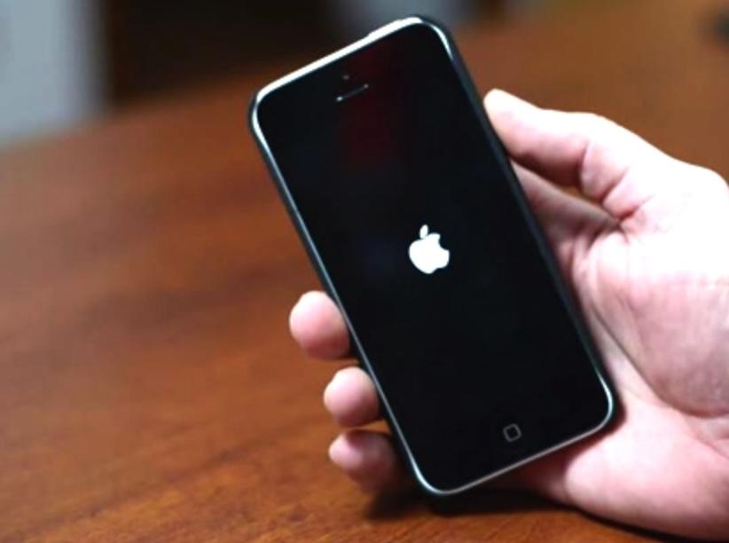 Cara Mudah Memperbaiki iPhone Stuck di Logo Apple