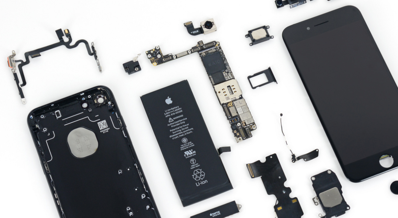 AWAS! Memperbaiki iPhone Sendiri Bisa Kena Sanksi?