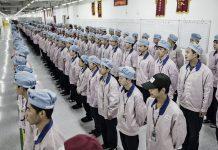 Seperti Inilah Rasanya Bekerja di Pabrik Perakitan iPhone (Video)