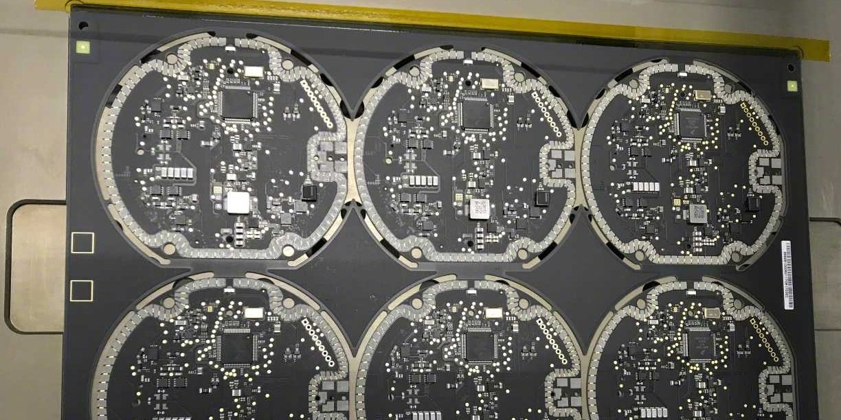 PCB Wireless Charging iPhone 8 Bocor ke Publik