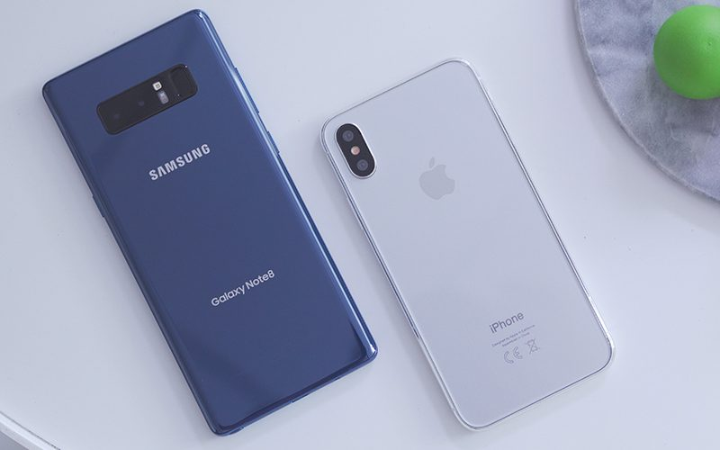 Video Perbandingan Galaxy Note 8 dan iPhone 8 Dummy
