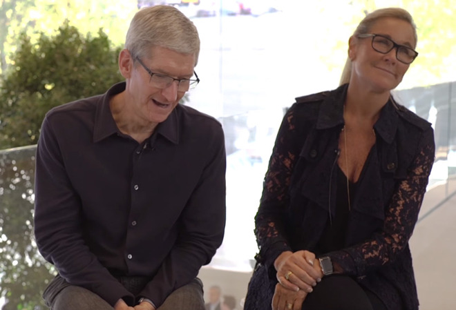 Angela Ahrendts Akan Gantikan Tim Cook Jadi CEO Apple?