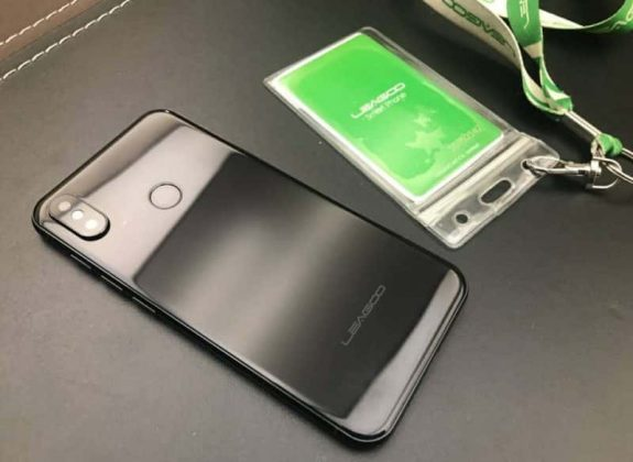 LEAGOO S9, Smartphone Android Tiruan iPhone X Super Mirip
