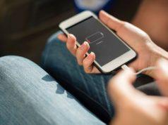 Awas! Charger iPhone Palsu Terbukti Bisa Berbahaya