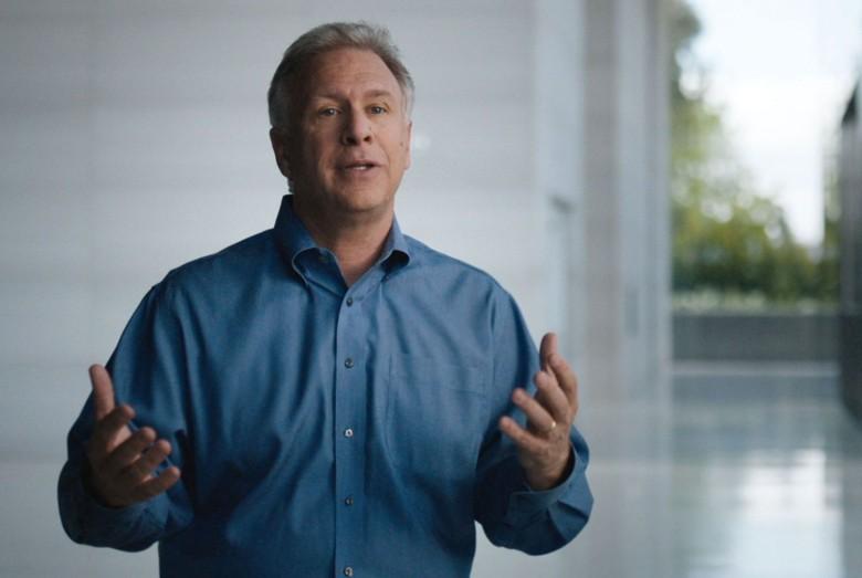 Phil Schiller: Kompetitor Face ID di Android Itu Jelek