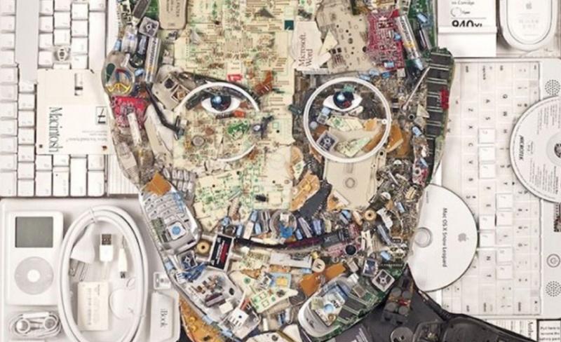 Seniman Buat Gambar Steve Jobs Dari Sampah Elektronik