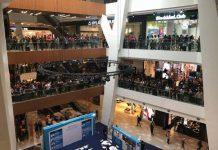 Promo iPhone Super Murah di Malaysia Berakhir Rusuh