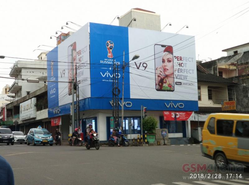 Setelah Asus, Kini Vivo V9 Juga Tiru iPhone X?