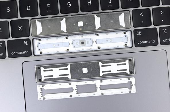 Keyboard MacBook Pro 2018 Lebih Tahan Debu, Tapi Masih Cacat