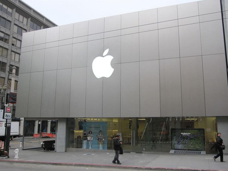 Derita Para Fanboy di Tengah Kesuksesan Besar Apple