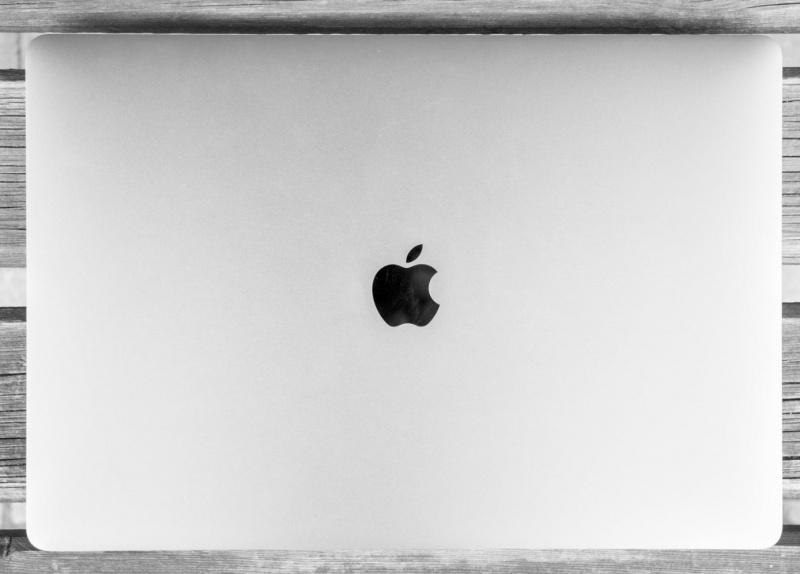 Kini Apple Resmi Buka Toko Online di Amazon