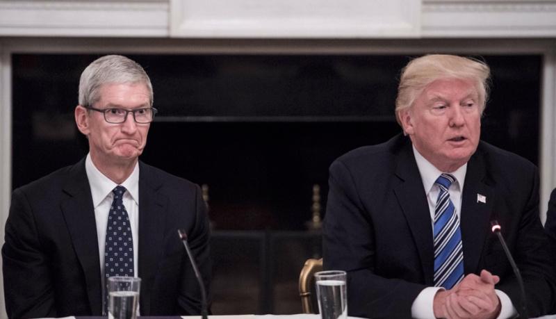 Trump Bahas Tarif Impor iPhone di Amerika Serikat