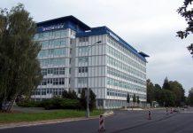 Foxconn Akan Pindah Pabrik iPhone dari China ke Vietnam?