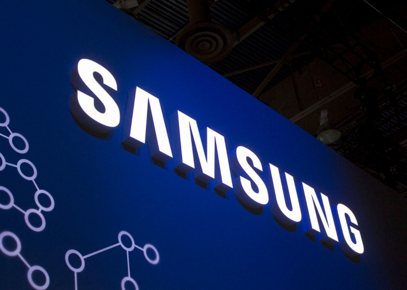 Samsung Tawarkan Komponen Layar Tekuk Untuk Foldable iPhone