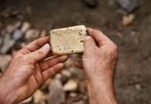 Apple Dukung Penambangan Emas Ramah Lingkungan