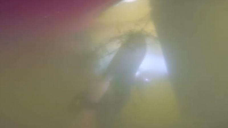 2 Hari Tenggelam di Danau, iPhone X Masih Berfungsi