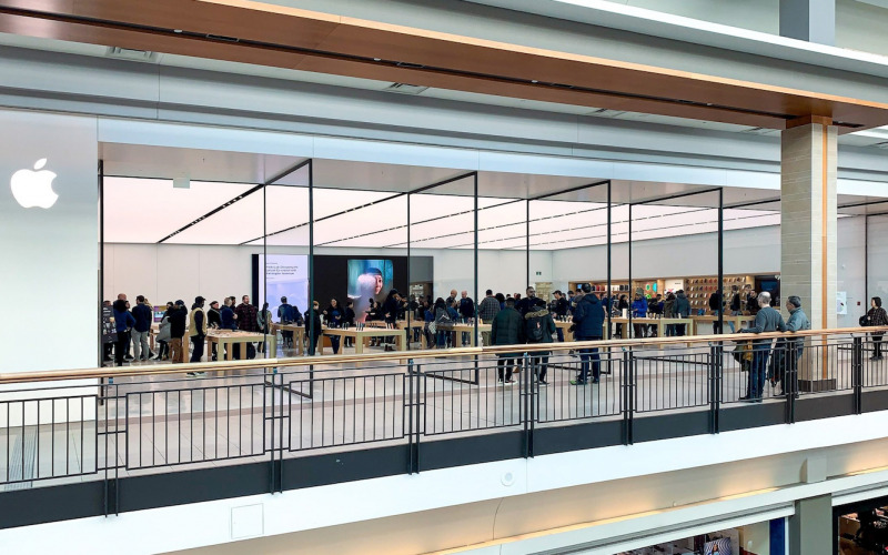 Apple Resmi Membuka Apple Store Kedua di Toronto
